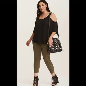 Torrid Ankle Skinny pants with Embroidery Design